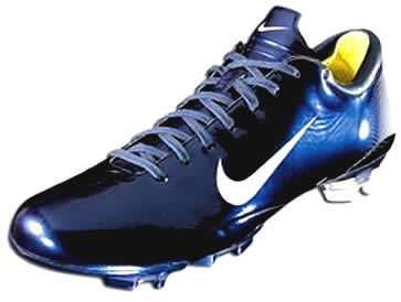 gold nike soccer cleats