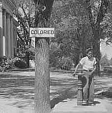 analysis of the people of maycomb in to kill a mockingbird Brief story/summary in to kill a mockingbird, harper lee shows how racism, courage, family status, and friends clash together in the small southern town of maycomb.